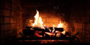 10 podpowiedzi dla opalających drewnem w kominku