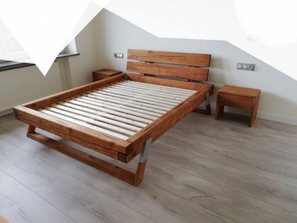 łóżko z belek