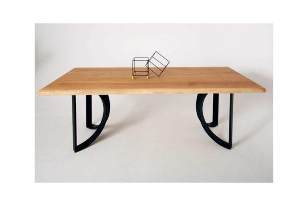 drewniany-stol-do-jadalni