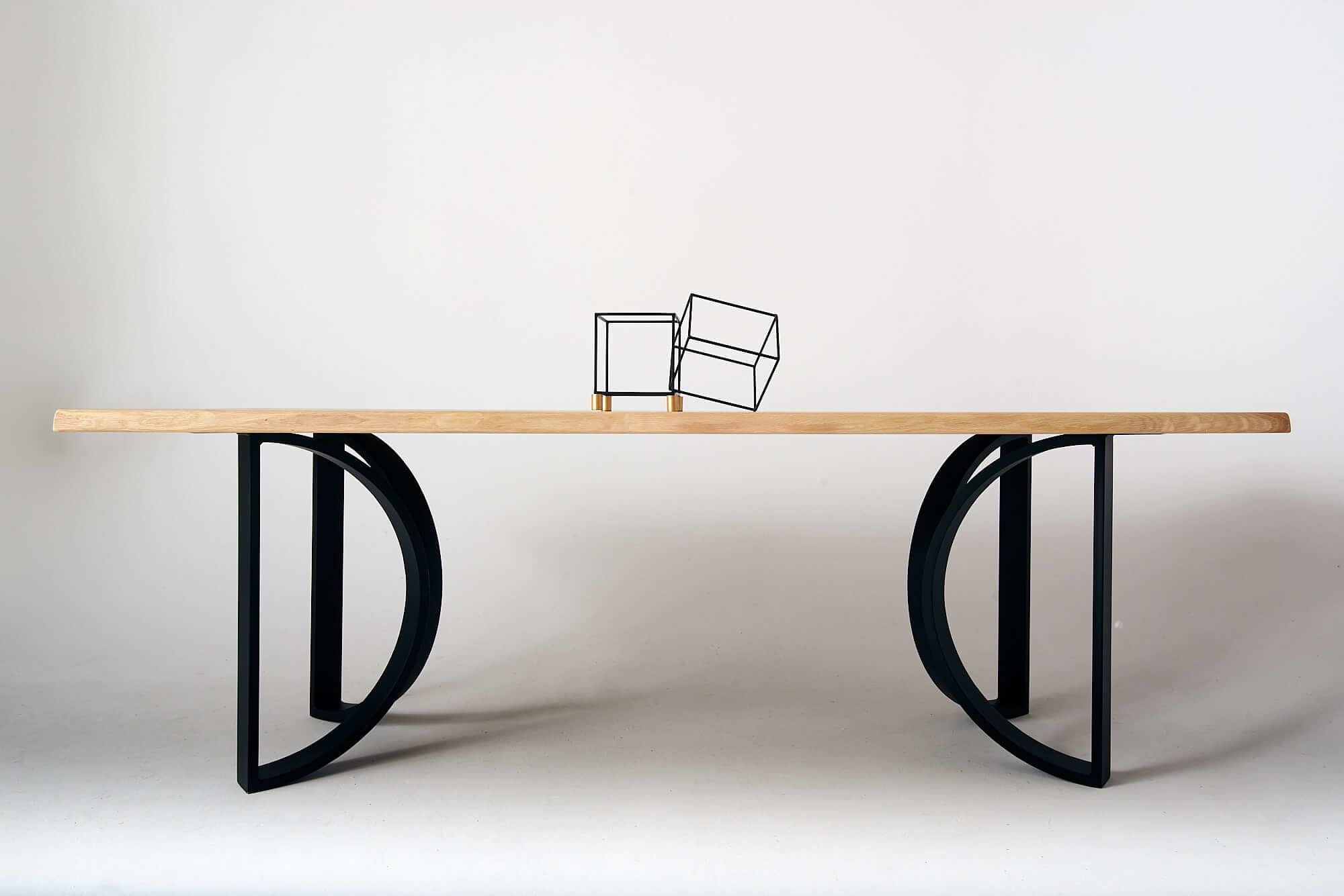 drewniany-stol-lity-dab
